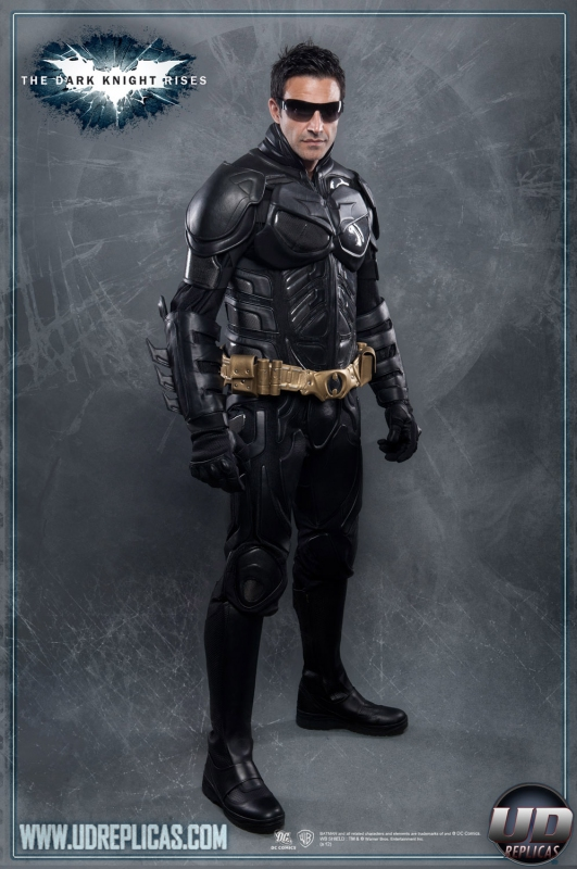 ... The Dark Knight Rises™ - BATMAN™ Leather Motorcycle Suit Image ...  sc 1 st  UD Replicas & The Dark Knight Rises™ - BATMAN™ Leather Motorcycle Suit