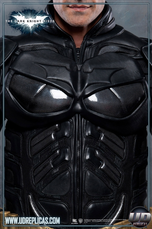 Armored Leather Motorcycle Jacket >> The Dark Knight Rises™ - BATMAN™ Leather Motorcycle Suit