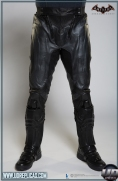 BATMAN™: Arkham Knight - Leather Motorcycle Suit  Image 9