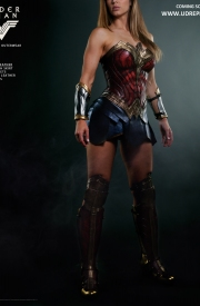 Wonder Woman - Official Leather Replica